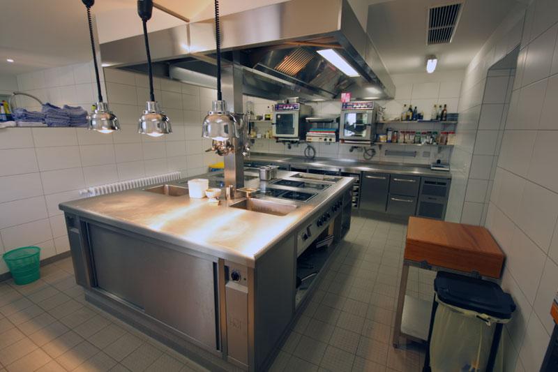 Küche Richtig Planen : gro k chenplanung vom profi mit gastro service boden ~ Pilothousefishingboats.com Haus und Dekorationen